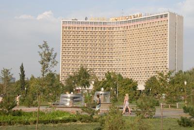13 august pl neschmieden in taschkent reiseblog tina. Black Bedroom Furniture Sets. Home Design Ideas